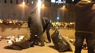 Неизвестные разобрали стихийный мемориал на месте убийства Немцова