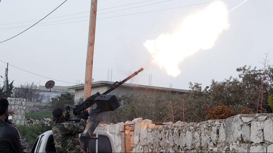 Neue Luftangriffe auf IS-Miliz - Nusra-Front rückt in Idlib ein