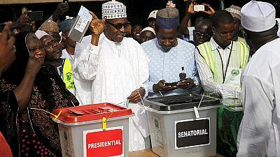 Nigéria: Falhas eletrónicas obrigam a prolongamento de eleições