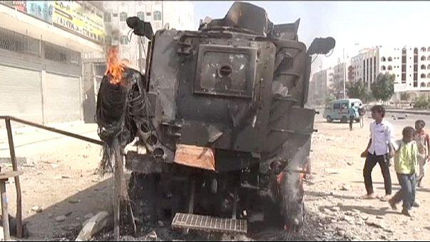 Weitere Luftschläge im Jemen - UN ziehen sich aus Aden zurück