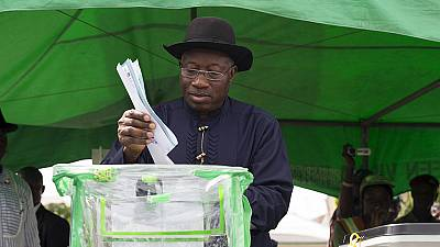 Nigeria presidential poll is marred by voting irregularities and violence