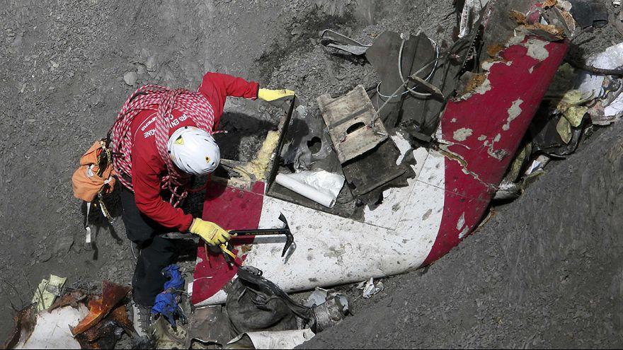 آغاز هفتمین روز تحقیقات در مورد علل سقوط هواپیمایی جرمن وینگز