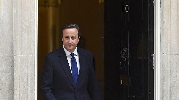 Campanha eleitoral britânica começa com ataques de parte a parte
