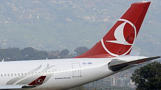 Kényszerleszállás - robbantással fenyegették a török gépet