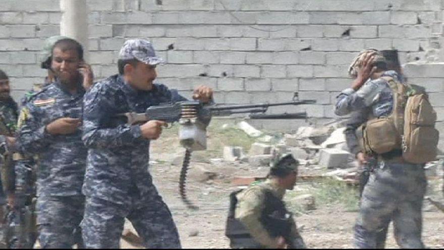 Irak ordusu ve IŞİD hastane önünde çatıştı