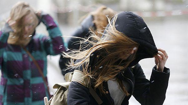 Riesen-Chaos durch Sturmtief #Niklas