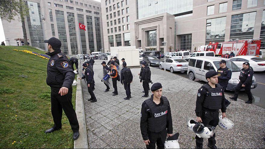 Turquia: Magistrado sequestrado por grupo extremista