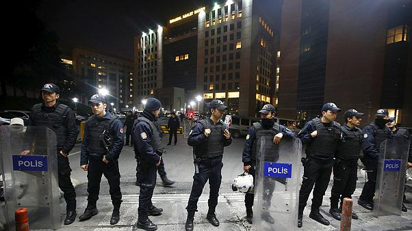 Muere en el hospital el fiscal secuestrado en el Palacio de Justicia de Estambul