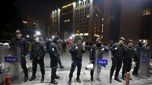 Polizei beendet Geislnahme in Istanbul: Drei Tote