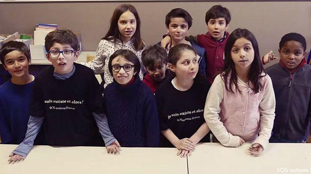 Journée mondiale de l'autisme: bonnet d'âne de l'intégration pour la France