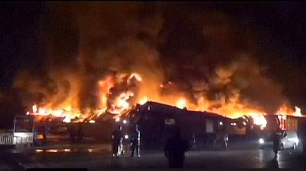 Yemen: raid aereo fa strage in una fabbrica