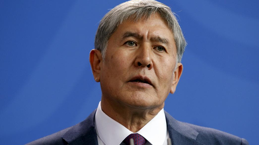 """""""As sanções que estão a ser usadas para punir a Rússia estão a prejudicar toda a região"""", Almazbek Atambayev, Presidente do Quirguistão"""