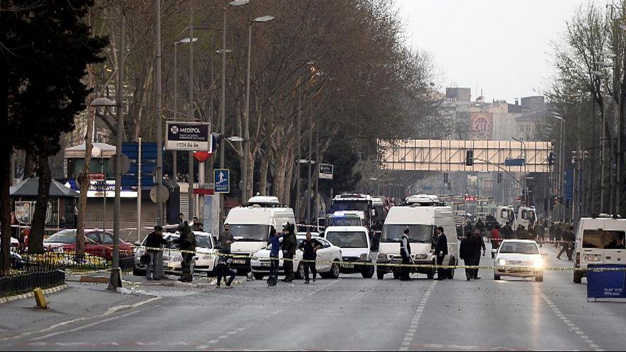 Esquadra em Istambul atacada a tiro