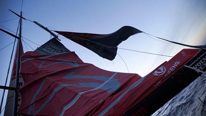 Volvo Ocean Race - Átmenetileg kiszállt a Dongfeng