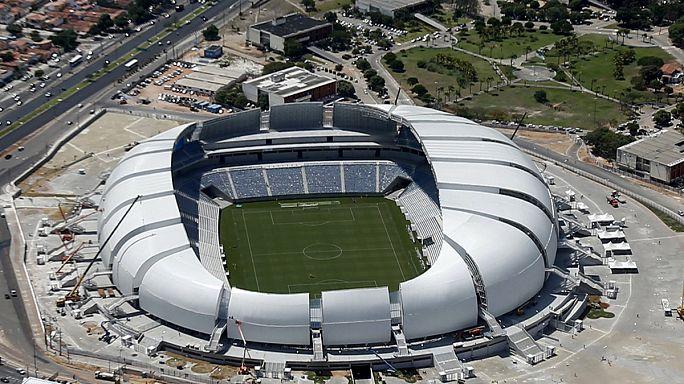 ملعبان استضافا مباريات مونديال 2014 للبيع في البرازيل