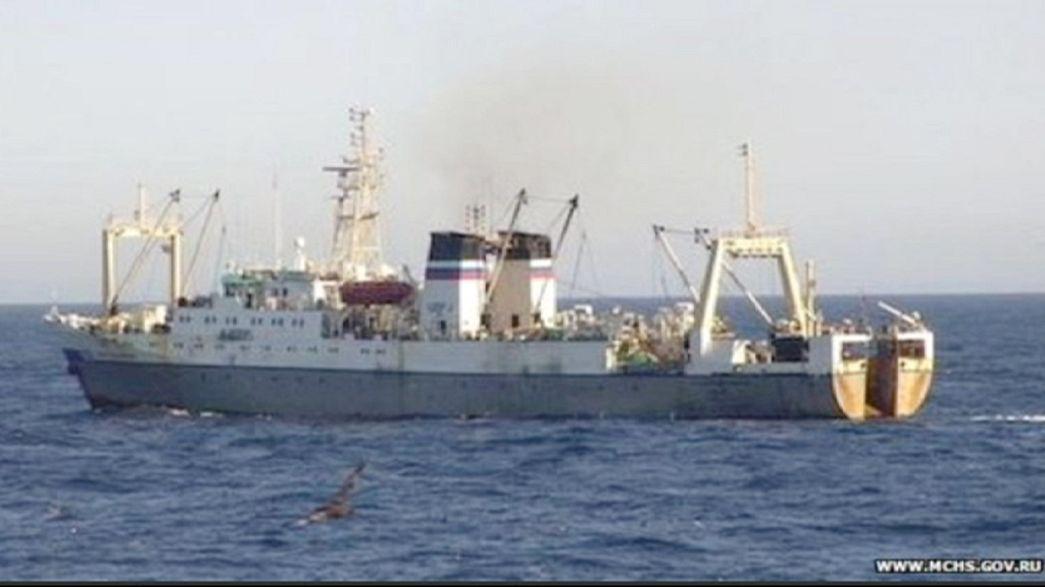مصرع 43 شخصاً في غرق سفينة صيد روسية