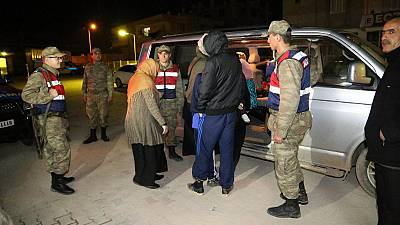 Turquia detém 9 britânicos que tentavam cruzar a fronteira para a Síria