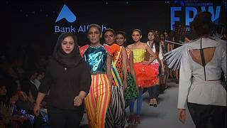 "Pakistan Fashion Week, il ""glamour"" conquista Karachi."
