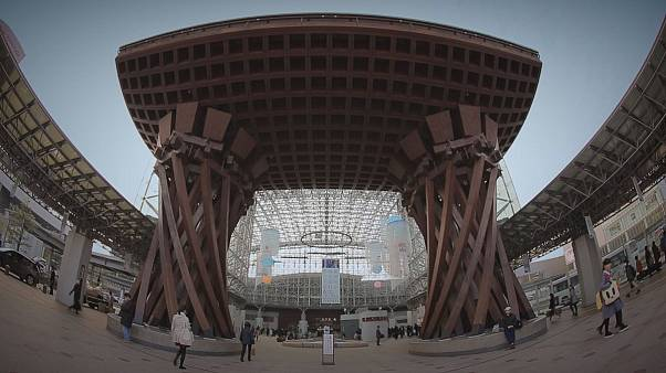 Kanazawa: Shinkansen és az aranylemezek városa