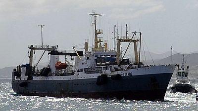Interrogations après le naufrage d'un navire-usine russe