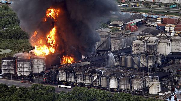 Brazil: Fireballs seen at huge fuel storage blaze
