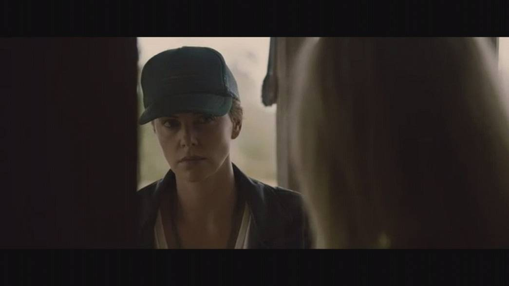 "Charlize Theron en mode thriller dans ""Dark Places"""