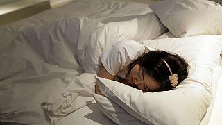 Telefonon gyógyítják az alvászavaros gyerekeket Nagy-Britanniában