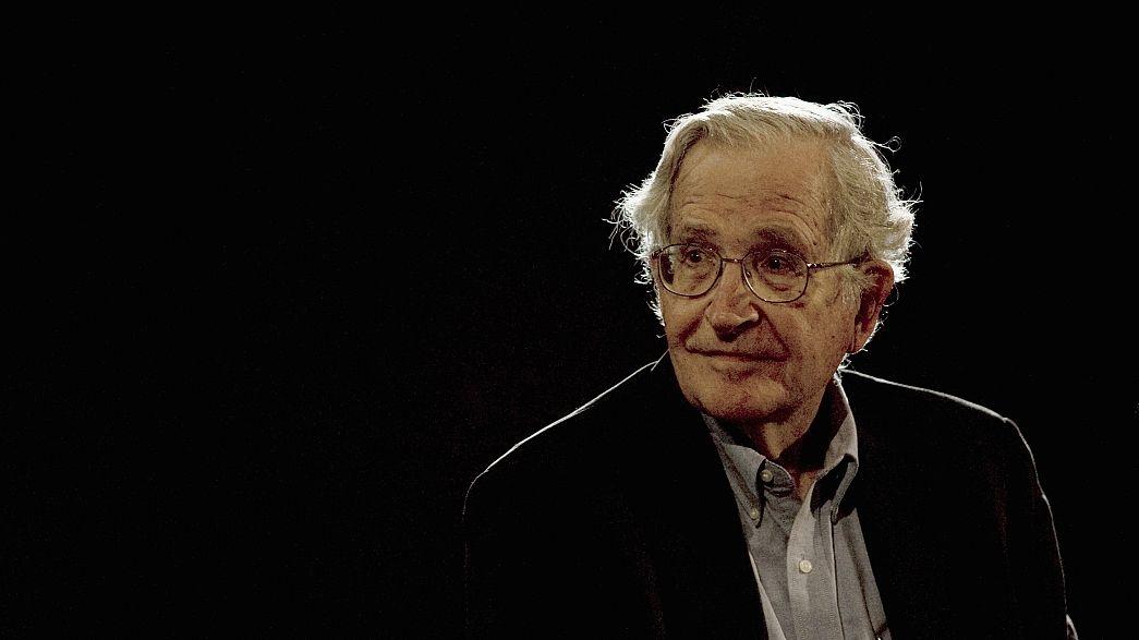 Chomsky, egy örökifjú lázadó szabadgondolkodó