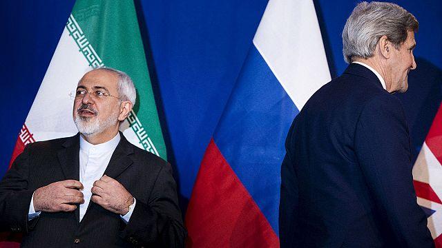 الإيرانيون ينزلون الى الشوارع فرحا بإتفاق الإطار حول البرنامج النووي