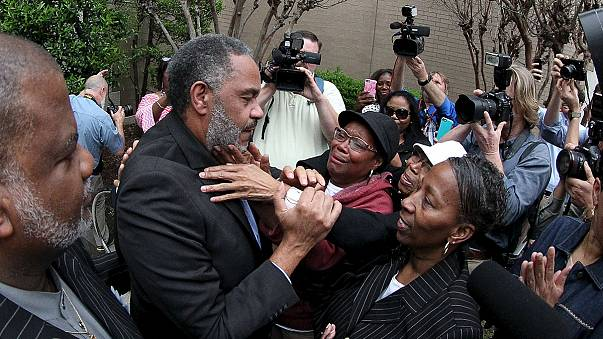 Liberado un hombre tras pasar 30 años en el corredor de la muerte en Estados Unidos