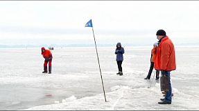 E que tal uma partida de golfe na Sibéria?