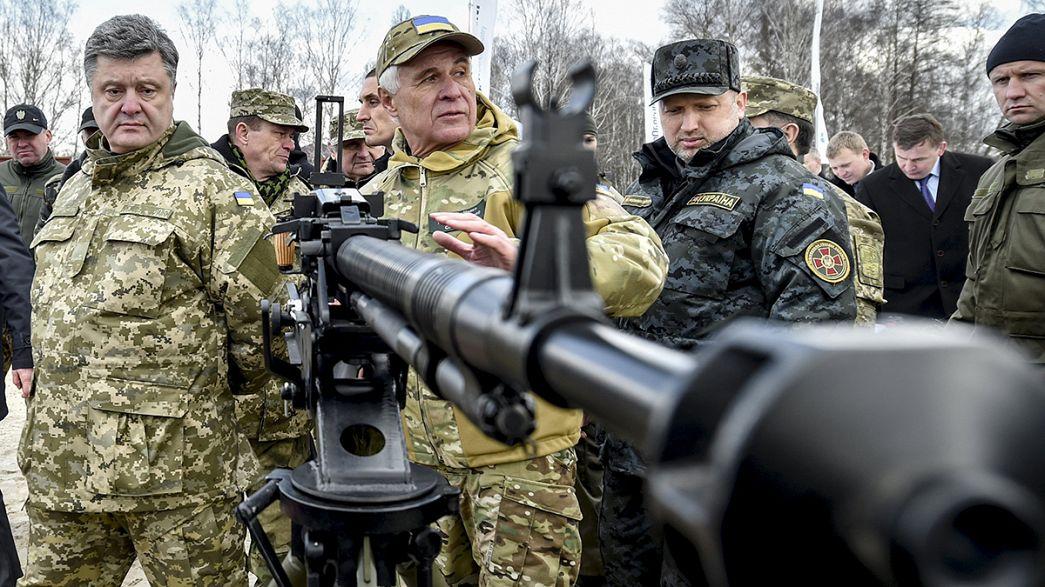 """Poroshenko: Exército tem """"capacidade"""" para responder a eventuais agressões"""
