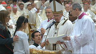 Christen der Welt feiern die Osternacht