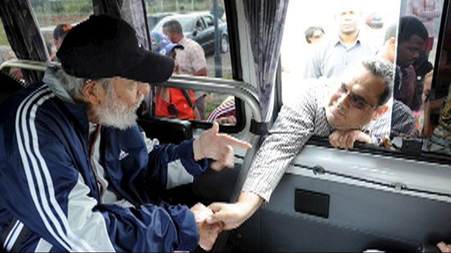 Fidel Castro aparece em público pela primeira vez em 14 meses
