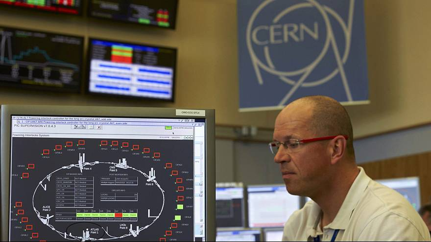 В Швейцарии снова запущен большой адронный коллайдер