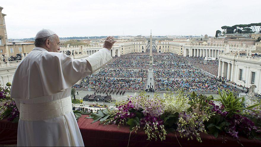 """Papst Franziskus spricht """"Urbi et Orbi""""-Segen"""