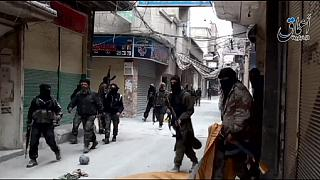 Palestinians mobilise to save Yarmouk refugees after ISIL attack