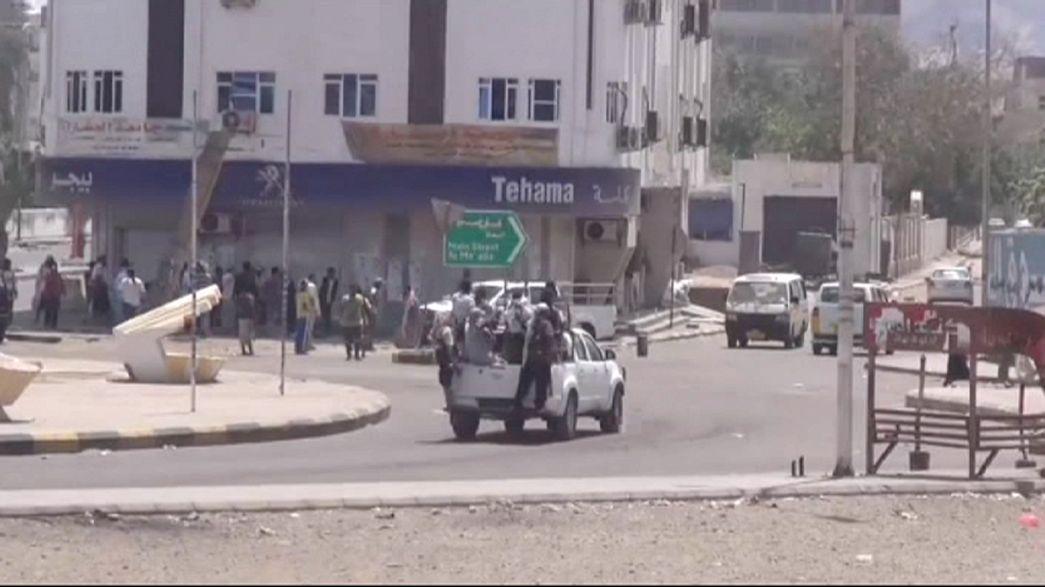 Yemen's Houthi rebels make gains on Aden