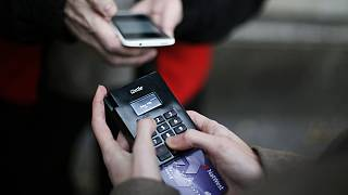 Τέλος στις συναλλαγές με μετρητά - Ηλεκτρονικό μπλόκο στην κλοπή του ΦΠΑ