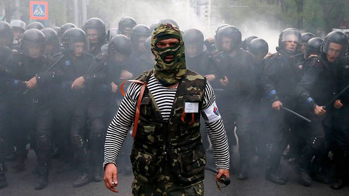 أوكرانيا:بعد عام على اندلاع حرب في الشرق