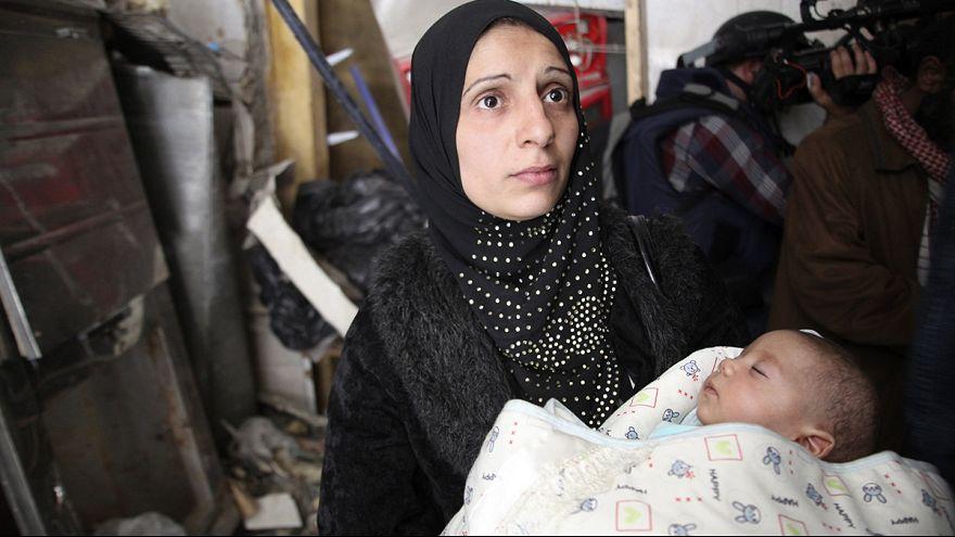 Szolidaritás-tüntetés Gázában a szíriai menekülttábor lakói mellett
