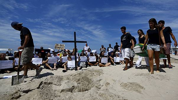 Бразилия: жители фавел Рио протестуют против насилия полиции