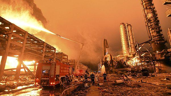 Причина пожара на заводе в Чжанчжоу - утечка нефти