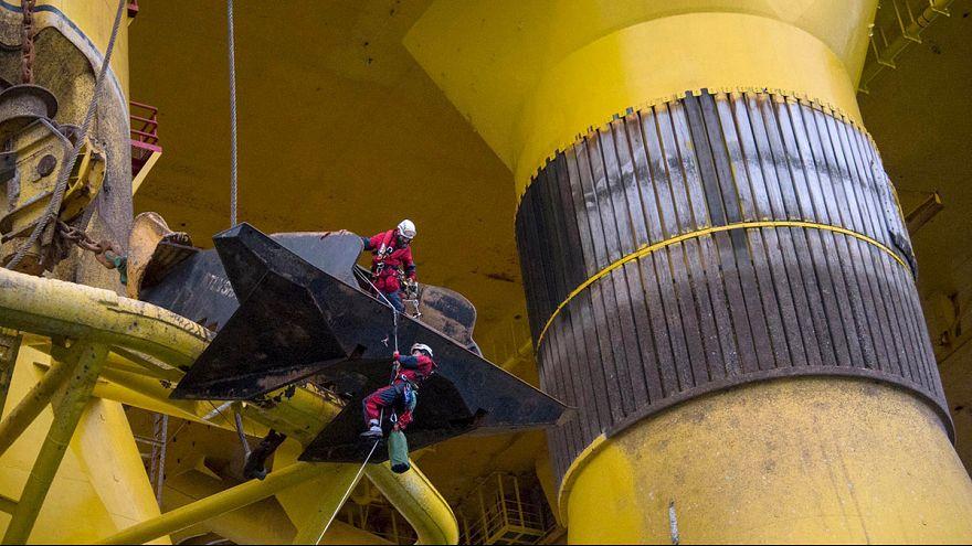Greenpeace ocupa plataforma petrolífera para denunciar prospeções no Ártico
