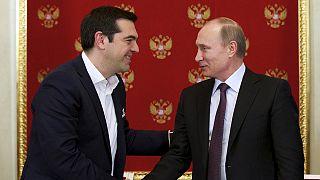 Putin assegura que Tsipras não pediu ajuda financeira à Rússia