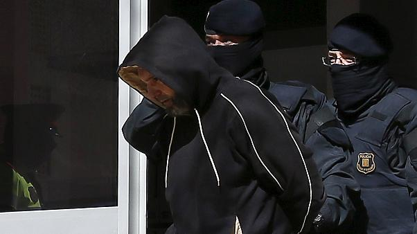 الأمن الإسباني يعتقل أحد عشر شخصا للاشتباه بصلتهم بحركات جهادية