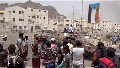 Arabia Saudita valuta intervento di terra in Yemen