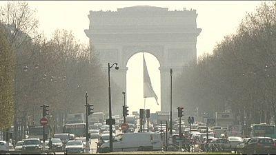 Paris apareció el miércoles cubierta por una gran nube tóxica.