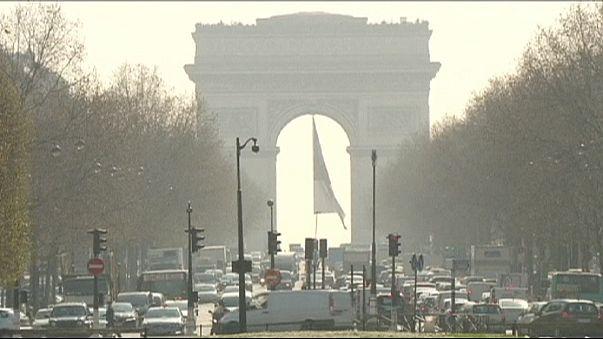 Paris'in havası bozdu