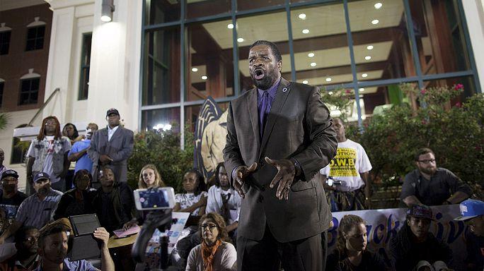 Charleston: elegük van a feketéknek a rendőrségi terrorból